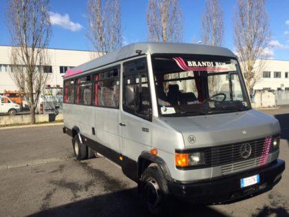 Mercedes 711  (22+1)